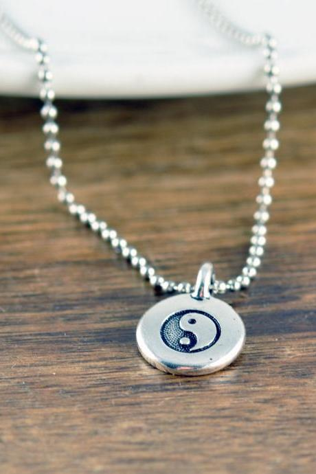 silver ying yang necklace -pendant necklace - mens necklace - boyfriend gift - anniversary gift - Ying Yang charm pendant